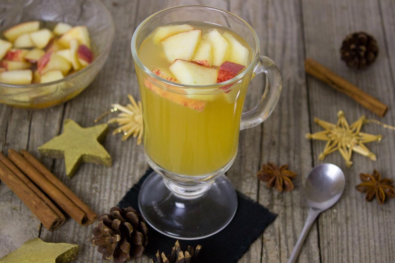 Rezept: Apfel Punsch mit Zimt & Gewürzen