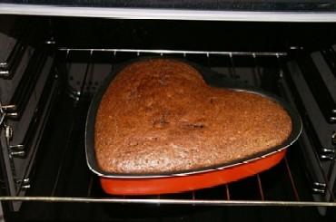 Muttertagskuchen Teil 2 5 Einfacher Schokoladenkuchen In Herzform