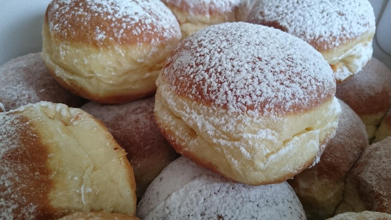 Berliner Pfannkuchen zu Silvester selber machen – schnelles Rezept
