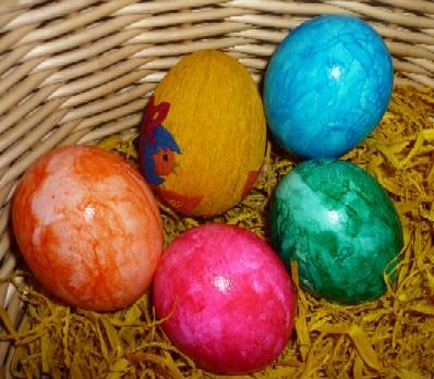 Ostereier färben mit Naturfarben / © Genuss-blog.de
