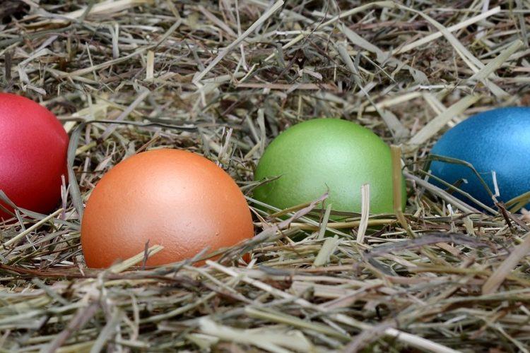 Ostereier natürlich bunt färben