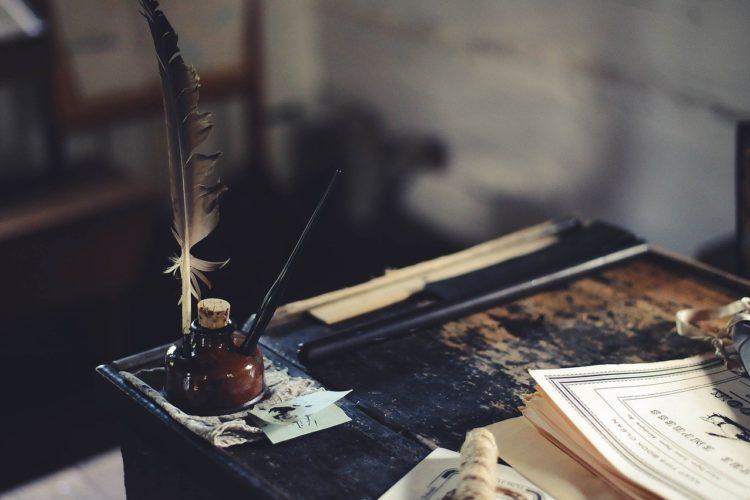 Tinte und Federhalter