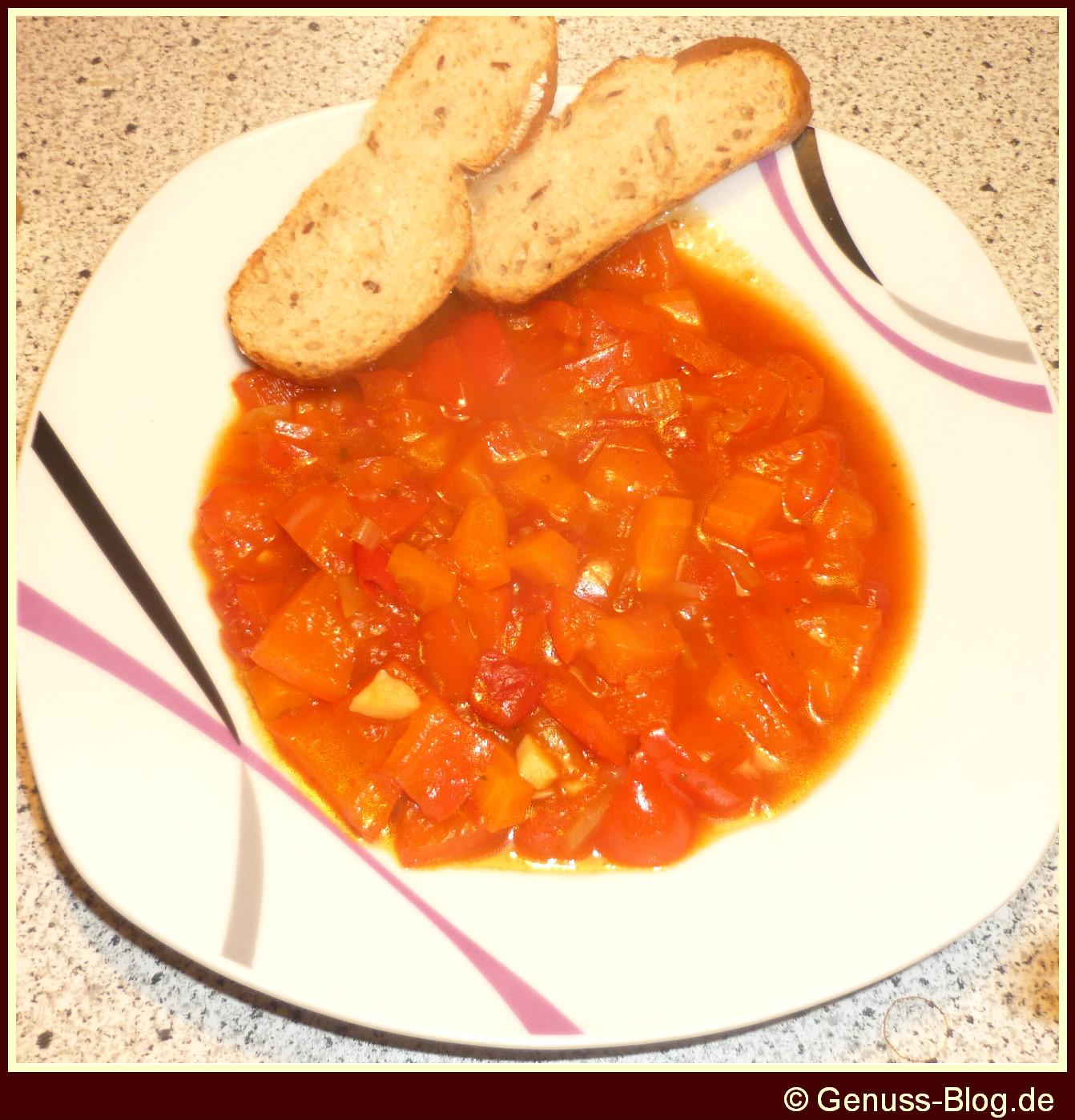 Paprika-Moehren-Eintopf-Serviervorschlag